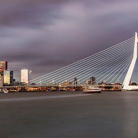 De mooie en indrukwekkende skyline van Rotterdam II van Miranda van Hulst