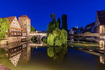 La vieille ville de Nuremberg en soirée sur Werner Dieterich