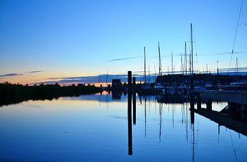 Jachthaven Marina in Volendam van Marian Sintemaartensdijk