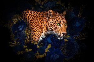 Kunstwerk von Leopard mit Blumen und goldenen Blättern von John van den Heuvel