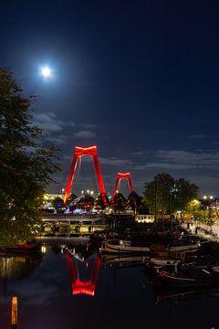 Rotterdam - Willemsbrug vanaf de Oude Haven van Harro Jansen