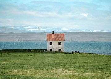 Lakeside-Haus in Island von Matthijs Van Mierlo