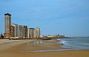 Strand en boulevard Vlissingen bij schemer