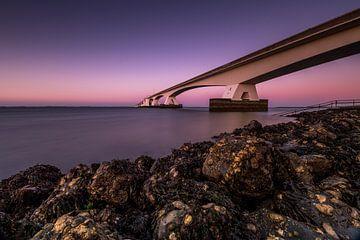 Uferdamm-Brücke von Rick Ermstrang