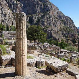 Bij de tempel van Apollo in Delphi, Griekenland van Berthold Werner