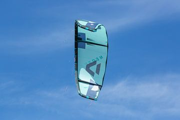Kite in de lucht van Rob Hansum