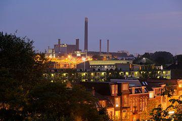 Zicht op warmtekrachtcentrales Nuon in Utrecht van Donker Utrecht