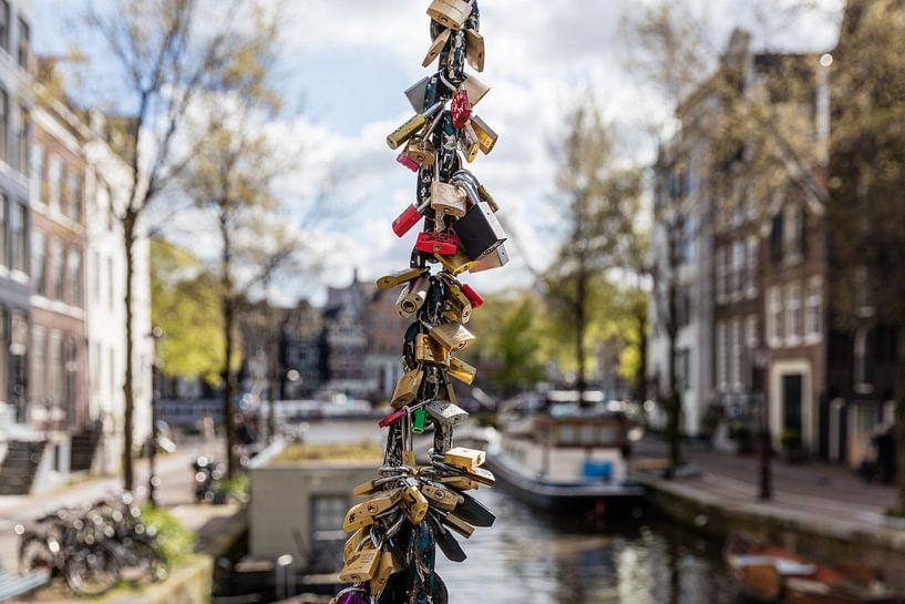 Staalmeestersbrug Love locks Amsterdam van Dennisart Fotografie