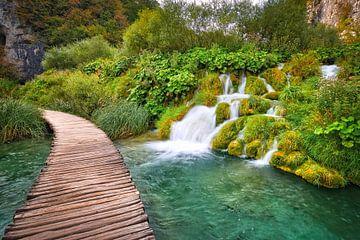 Spazierweg am Wasser Plitvice von Kevin Baarda
