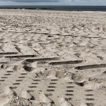Sporen in het zand van Mister Moret Photography