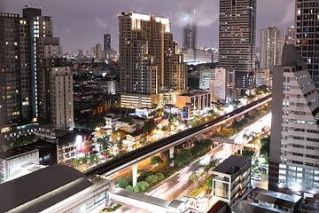 Bangkok in de avond von Mark de Kievith