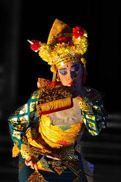Balinese danseres kleur sur Ry Bshvn