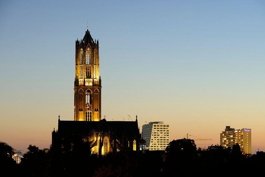 Stadsgezicht van Utrecht met Domtoren, Domkerk en stadskantoor