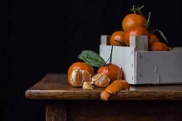 Stilleven met een kistje mandarijnen