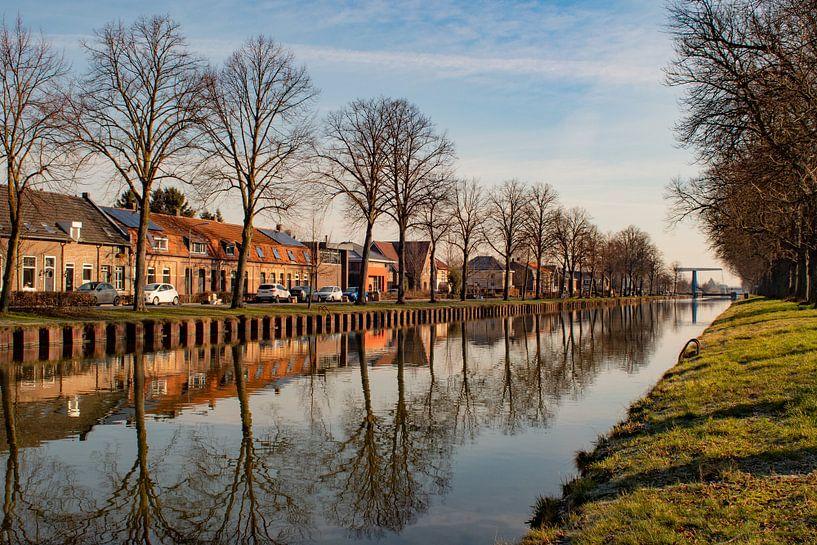 Le Zuid-Willemsvaart près de Weert sur JM de Jong-Jansen