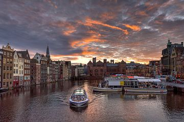 Damrak Amsterdam van Fotografie Ronald