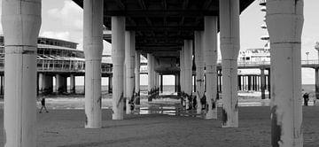 Pier in Scheveningen von Marjolijn Vledder