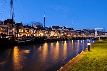 Thorbeckegracht in Zwolle in de avond met het Pelserbrugje sur Merijn van der Vliet