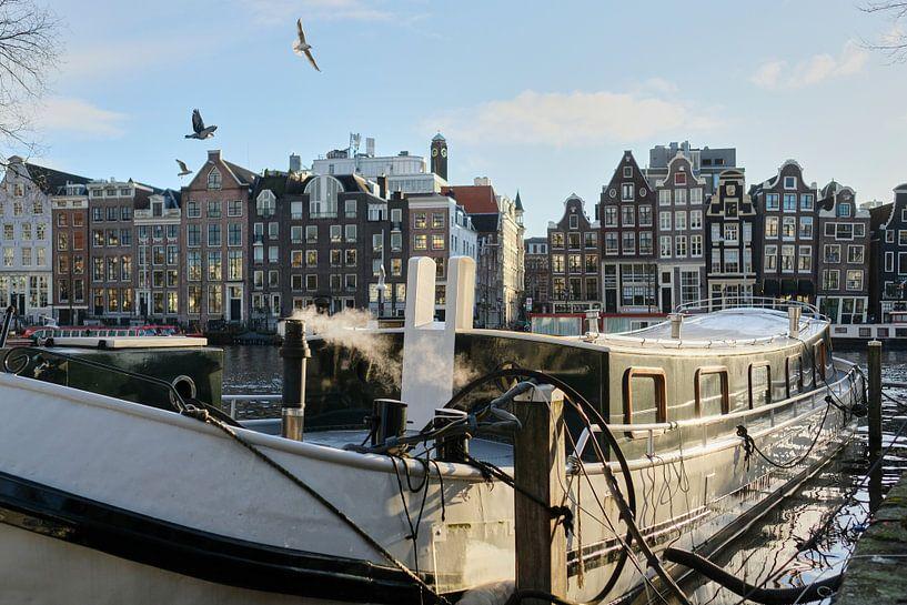 Amsterdam ist aus der Nacht aufgewacht. von Rogier Meurs Photography