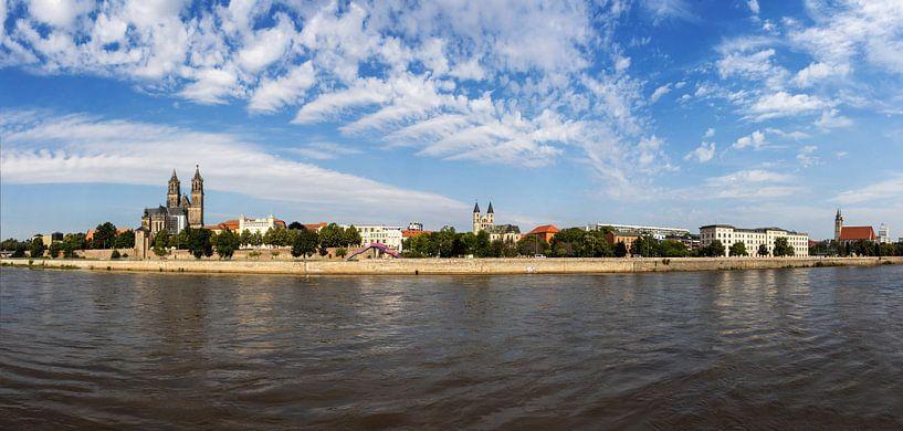 Panorama skyline Magdeburg van Frank Herrmann