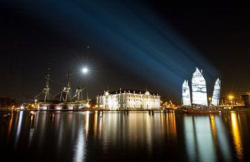 Scheepsvaartmuseum in de nacht sur