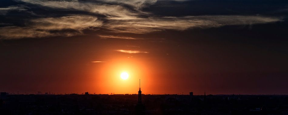 Zonsondergang Skyline Rotterdam van Rob van der Teen