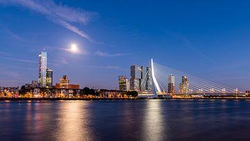 Rotterdam bij nacht van Daan Kloeg