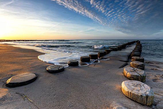 Ostseestrand mit Buhnen