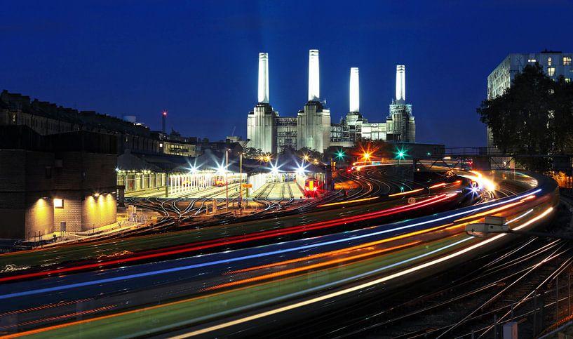 Londen - Battersea-centrale met ondergronds transport van Frank Herrmann