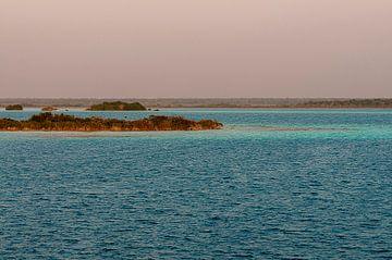 Mexico: Bacalar Lagoon (Bacalar) van Maarten Verhees