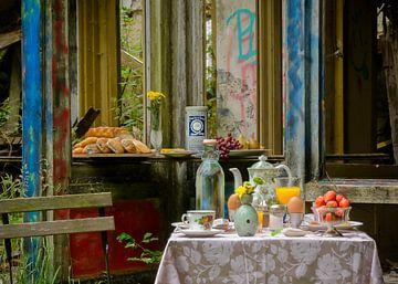 Kleurrijk ontbijt stilleven van Danny de Jong