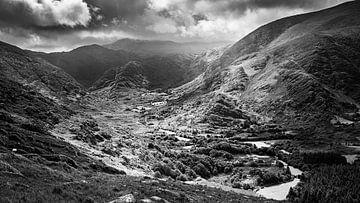 Uitzicht vanaf de Healy Pass, Ierland van Henk Meijer Photography