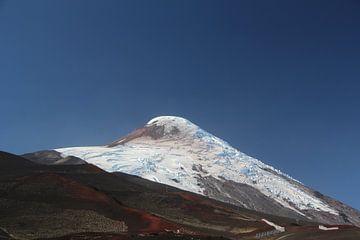 Vulkan Osorno, Chile gegen blauen Himmel von A. Hendriks