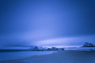 Verlaten strand op de Lofoten von Antwan Janssen