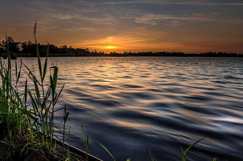 Zonsondergang aan het Leekstermeer