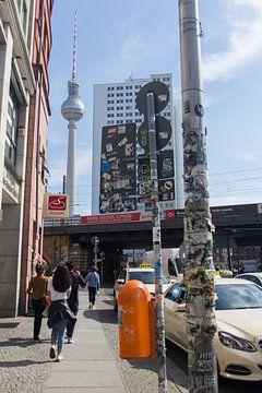 Berlijn straat  Fernsehturm van Leontien Adriaanse
