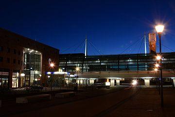 Onderdoor in Houten met het Station Houten Centrum  van Margreet van Beusichem