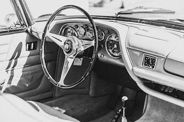 Maserati 3500 GT Coupe Speciale Interieur in schwarz-weiß von Sjoerd van der Wal