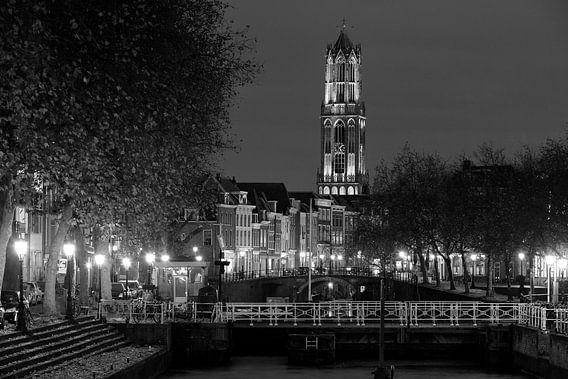 Weerdsluis, Oudegracht en Domtoren in Utrecht, ZWART-WIT
