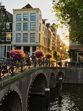 Sommerabend in Amsterdam von Odette Kleeblatt