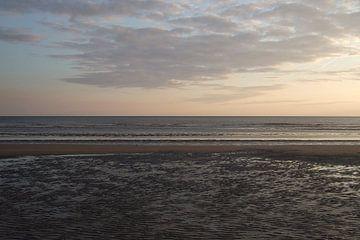 Zee en strand bij IJmuiden van Anouk Davidse