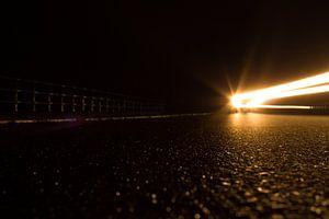 Auto in de nacht van Robin Steen