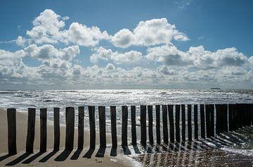 Zon en schaduw op het strand van Mario Lere