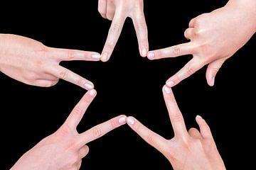 Handen van meisjes maken  ster van