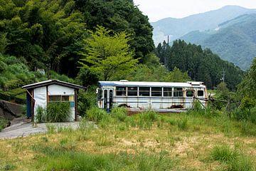 Oude bus von Marijn Kuijper