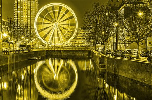 Reuzenrad The View Rotterdam - monochroom
