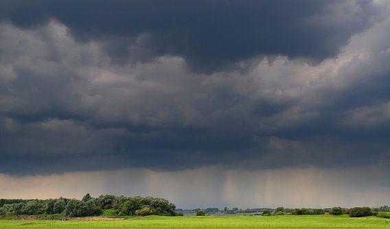 Regenbui in aantocht