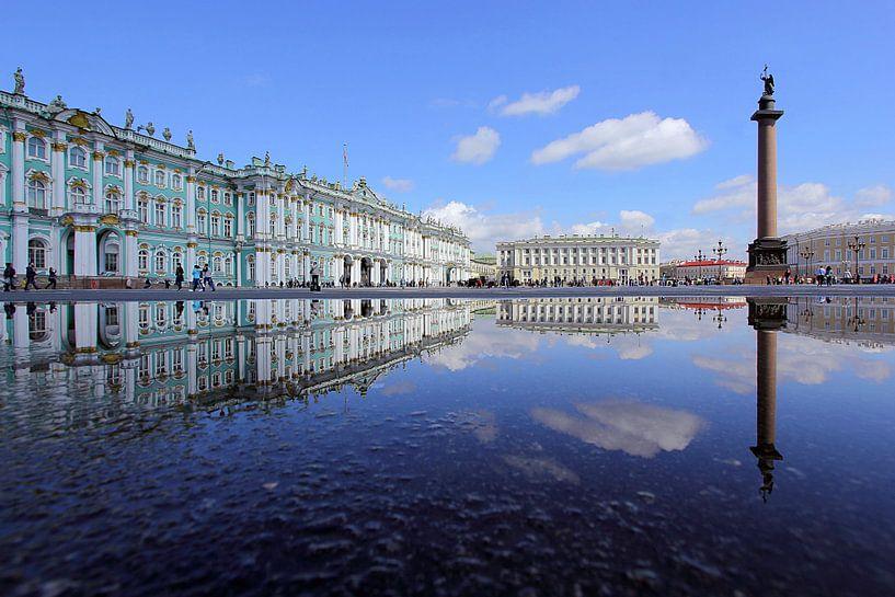 Schlossplatz St. Petersburg van Patrick Lohmüller