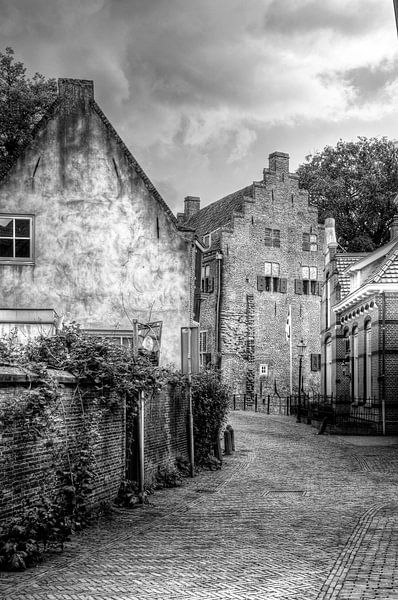 Muurhuizen historisch Amersfoort zwart-wit van Watze D. de Haan