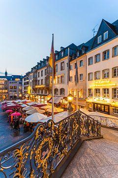 Place du marché à Bonn le soir sur Werner Dieterich